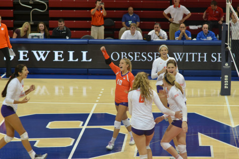 The Clemson team celebrates after scoring a point. Photo by Lucia Hruby