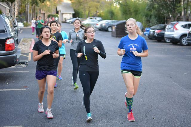 Marathon+High+members+run+hills+afterschool%2C+from+left+to+right+are+seniors+Ruth+Lara%2C+Savannah+Ojeda%2C+and+Sophie+Penniman.+