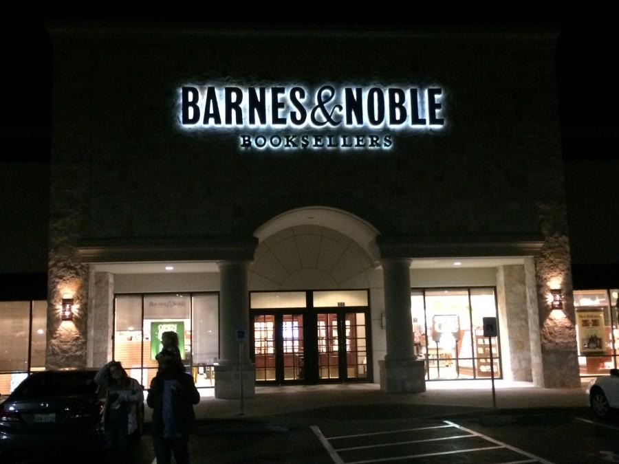 The Barnes and Nobles store that I work at by night. Photo by Willa Smith.