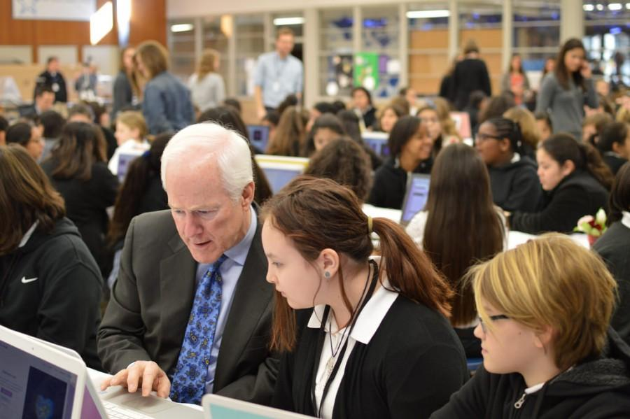 Code and tie: Senator John Cornyn visits ARS, endorses female STEM education