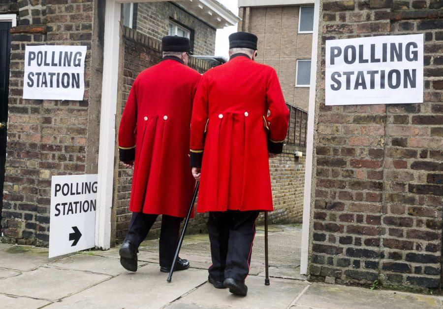 Chelsea pensioners vote at the Royal Hospital during the EU Referendum polling day on June 23, 2016 in London.  (Mark Thomas/i-Images/Zuma Press/TNS)